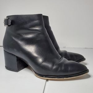 Michael Michael Kors leather ankle boots size 7